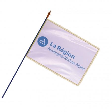 Drapeau Région Auvergne-Rhône-Alpes avec hampe, frange et galon or MACAP