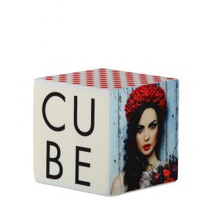 Cube pouf - vue de côté - MACAP