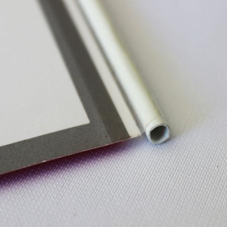 Drapeau Papier personnalisé à agiter (Hampe en plastique) - vue gros plan -MACAP