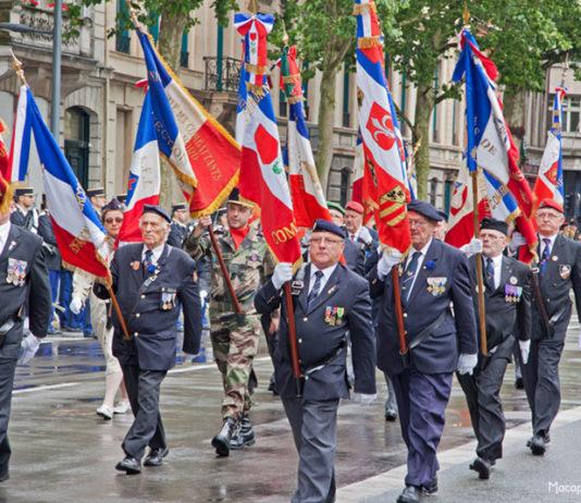Toutes les infos utiles sur le drapeau prestige de défilé ou de cérémonie