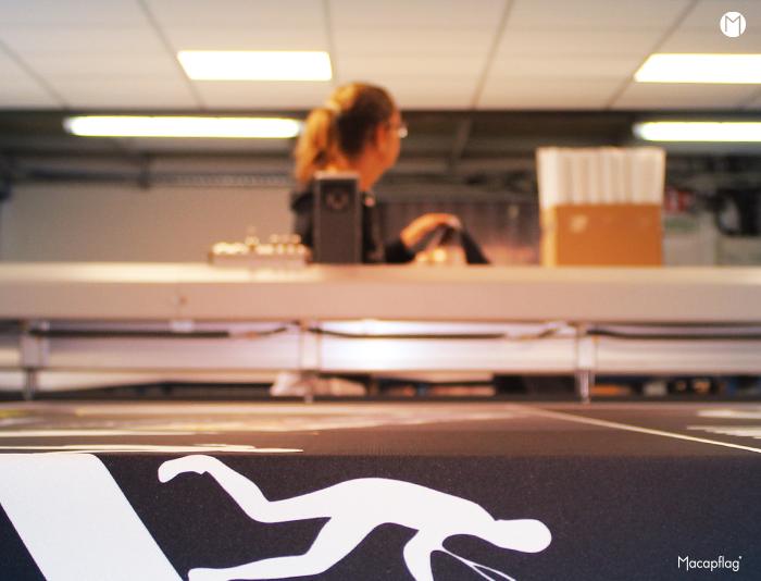 La table de découpe numérique remplace la pénible tâche manuelle