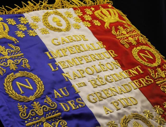 Le drapeau de la garde impériale sous Napoléon Bonaparte