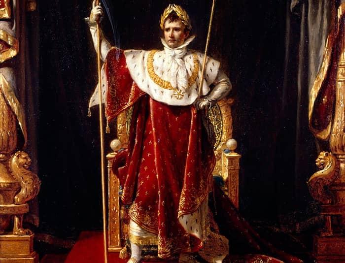 Le manteau impérial est l'un des symboles des armoiries de Napoléon