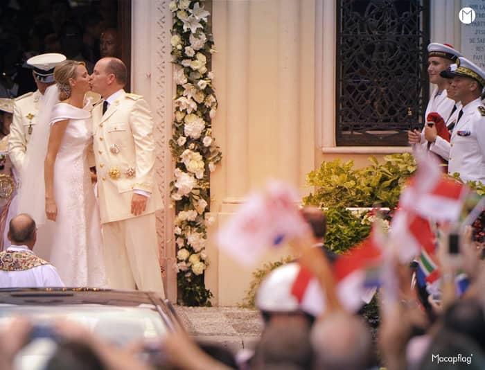 Le Prince Albert de Monaco épouse Charlène