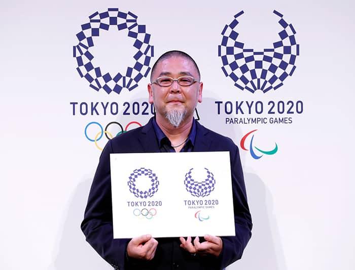 Asao Tokoro présente le logo des JO de Tokyo 2020