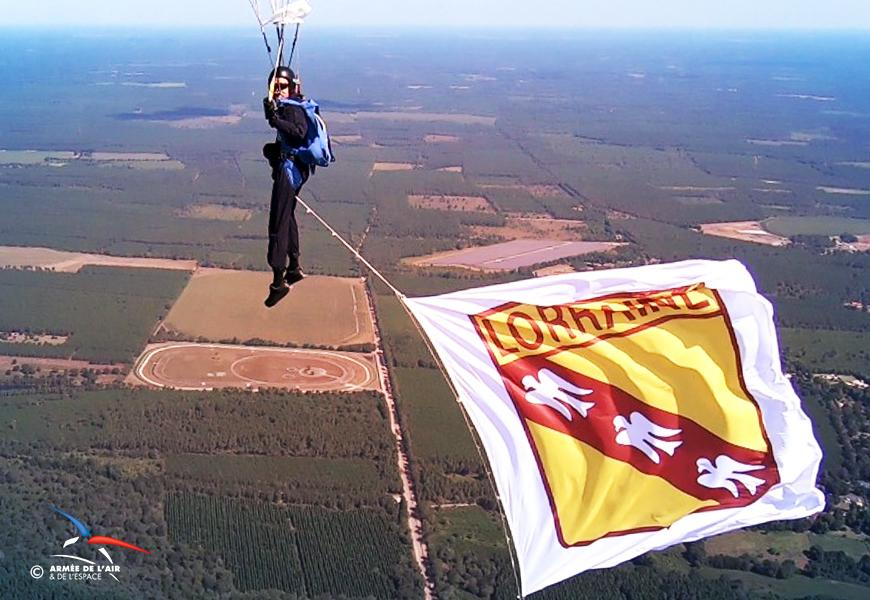 Le drapeau grand format de la Lorraine