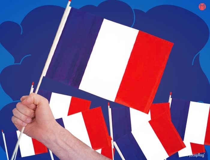 Le drapeau France se décline sous la forme d'un mini drapeau